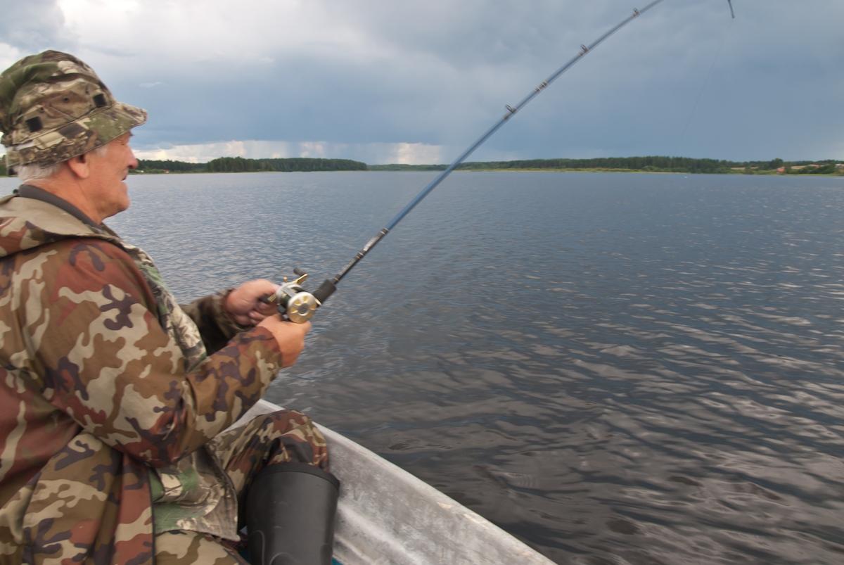 Саша Симанов зацепил крокодила. Автор фото: Вячеслав Степанов