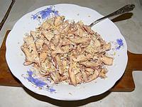 Салат из сырых молочаев