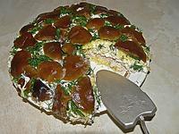 Слоёный грибной салат с курицей